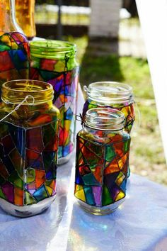 Modern Stained Glass, Stained Glass Paint, Stained Glass Projects, Recycled Glass Bottles, Painted Wine Bottles, Painted Jars, Glass Containers, Glass Jars, Liquor Bottle Crafts
