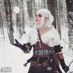 There is no snow in Poland rn, so in case you miss it... Here is  random pic of my Ciri ❄  Photo @fed.aleksandra 🌌 #cosplay  #cosplayer #witchercosplay #witcherwildhunt #snow #winter #ciri  #ciricosplay  #cosplaygirl #thewitcher #gwent