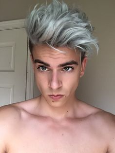The grey or pearl white hair color trend has became the latest hair trends for men and women. Silver Hair Men, Grey Hair Men, Men Blonde Hair, Blonde Guys, Platinum Blonde Hair Men, Men Hair Dye, Blond Men, Dark Grey Hair, Emo Hair