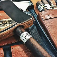 Cigar Knife in Hawaii! Great accessory pairing and great shot! Thank you Elaine Get your own #Cigarknife follow the link in bio. #Repost @elaine_cbh with @repostapp About to execute this Liga Privada No.9 by @drewestatecigar. #ligaprivada #drewestatecigars #cigarbarhawaii #lesfineslames #myPJcase #cigar #sotl #botl #cigar