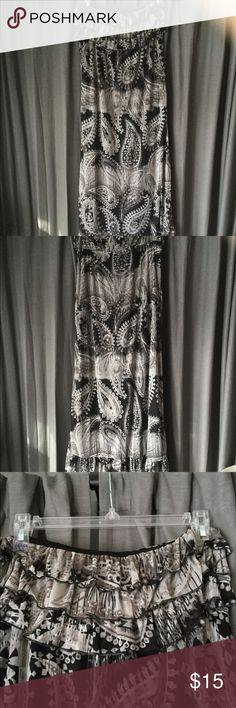🌻 Maxi Dress with Paisley Print, Size XL 🌻 Strapless Maxi Dress with Paisley Print, Size XL. Dress is 42 inches long, 3 ruffle layers across bust. Great summer dress.  😎 Eyelash Couture Dresses Maxi