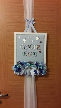 Diy Craft Projects, Diy And Crafts, Art Jouet, Hospital Room, Party Organization, Door Trims, Baby Online, Baby Room Decor, Baby Shower Parties