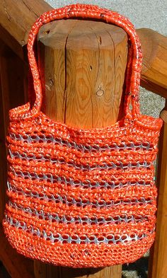 Plarn and Soda tab bag