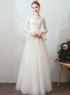 In Stock:Ship in 48 Hours Tulle Lace Long Sleeve Wedding Dress With Removable Skirt