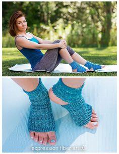 free knitting pattern - knitted asana yoga socks !