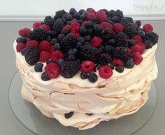 Pavlova torta s mascarpone krémom - Recept Best Cookie Recipes, Sweet Recipes, Mini Pavlova, Oreo Cupcakes, Meringue, Delicious Desserts, Cheesecake, Deserts, Food And Drink