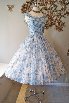 Floral Print Shirred Bodice Dress  #floral #dress #1950s #partydress #vintage #frock #retro #sundress #floralprint #petticoat #romantic #feminine #fashion