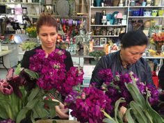 Creating bouquets at @Aisling Flowers with Alison Habermehl @Alison Habermehl and Jeanne Chung @Jeanne K. Chung // Cozy•Stylish•Chic during #BlogTourNYC