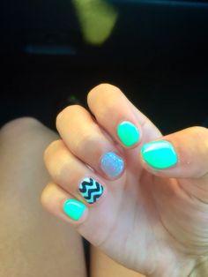 Cute mint green chevron nails. Perfect for teens!!