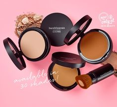 Built with tightly packed synthetic fibers at its core, the retractable bareMinerals Core Coverage Brush provides fast, detailed coverage for an unparalleled airbrushed finish. Free the face with bareMinerals BAREPRO Performance Wear Powder Foundation. Glam coverage. 12-hour long-wear. Breathable. Formulated with 90% vitamins and minerals.