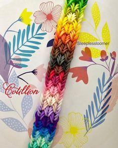 Rainbow Loom Bracelets Easy, Loom Band Bracelets, Rainbow Loom Tutorials, Rainbow Loom Patterns, Rainbow Loom Creations, Bracelets Design, Rainbow Loom Charms, Rubber Band Bracelet, Diy Bracelet