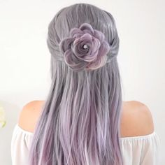 Rose Braid Just use your own hair to make a flower!So amazing🌹 Related posts: How to do five stand braid! Hair Braid Tutorial by Braid Tutorial (Muss man gesehen haben) Rose Schulter Tattoo für Frauen Rose Braid, Braid Flower, Hair Upstyles, Hair Videos, Hair Hacks, Hair Inspiration, Curly Hair Styles, Hair Makeup, Hair Cuts