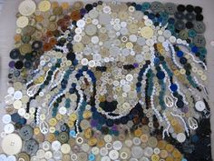 Button painting mosaic dog by pinner-beautiful job