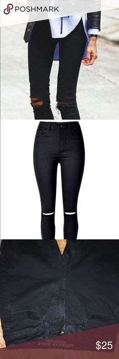 Black hi rise jeggings Black hi rise jeggings from American Eagle with horizontal slash across the knees. Available in a 4 short or 2 regular. Like new in great condition. American Eagle Outfitters Jeans Skinny
