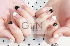 French Nail Art by Jess #blackandwhite #nail #nails #nailart #nailpolish #naildesign #nailswag #manicure #fashion #beauty #nailstagram #nailsalon #instanails #nails2inspire #love #ネイル #art #gelnail #cute #gelnails #polish #style #gel #naildesigns #instanail #pretty #white #nailtech #frenchtwist