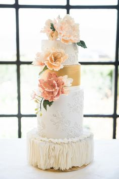 Garden Inspired Bridals with Pops of Pink + Hints of Gold, L'Estelle Photography, Vintage Meant for Rent, Infinity Luxury Linens + Decor, Full Bloom Flowers, Hello Sunshine Cake Studio