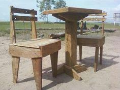 Conjunto pequeno de jantar feito vom madeira de demolição acabamento com cera