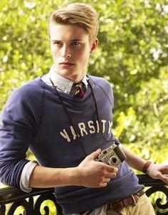 very cute Dimitri! Preppy Mens Fashion, Winter Fashion Casual, Men's Fashion, Winter Style, Fall Winter, Fashion Tips, Preppy Boys, Preppy Style, Ivy League Style
