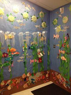 """ocean """"aquarium"""" with ocean animals We are so doing this for open house!Completed ocean """"aquarium"""" with ocean animals We are so doing this for open house! Art For Kids, Crafts For Kids, Ocean Projects, Ocean Aquarium, Ocean Activities, Vocabulary Activities, Quilled Creations, Under The Sea Theme, Sea Crafts"""