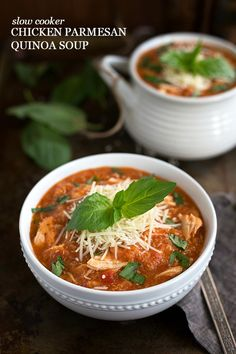 10 mins prep Crockpot Quinoa Chicken Parmesan Soup - Reduce cheese and use fat free broth to create an E meal.