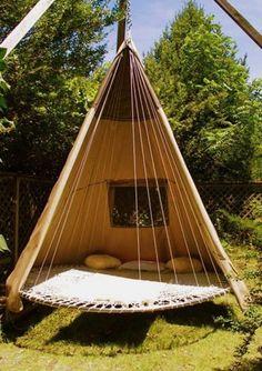 trampoline-swing-bed 使わなくなったトランポリンをハンモックにする