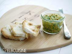 Der Rucola-Paprika-Dip ist eine frische und gesündere Alternative zu Wurst und Brot. Er schmeckt herrlich zu geröstetem Brot oder auch zu feinen Tomatenscheiben. Sicher habt ihr noch mehr Ideen... Das bringt Abwechslung auf den Abendbrot-Tisch. Mit Pü ...