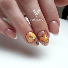 Perfect fall nail art with an umbrella Autumn Nails, Fall Nail Art, Winter Nails, Round Nails, Oval Nails, French Nails, Hair And Nails, My Nails, Nagel Hacks