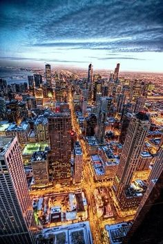Chicago lights up at night! this might be the best photo of Chicago ever taken! Lago Michigan, Best Places To Travel, Oh The Places You'll Go, Places To Visit, My Kind Of Town, Most Beautiful Cities, Amazing Places, Vacation Spots, Nashville