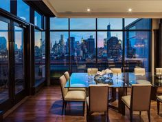 Some lucky buyer is going to be livin' on a prayer and in the penthouse all because of rocker Jon Bon Jovi. Bon Jovi listed his six bedroom SoHo duplex in 2013 for 42 million. New York Penthouse, Duplex New York, Manhattan Penthouse, Penthouse For Sale, Luxury Penthouse, Penthouse Apartment, Dream Apartment, Soho Apartment, Manhattan Apartment