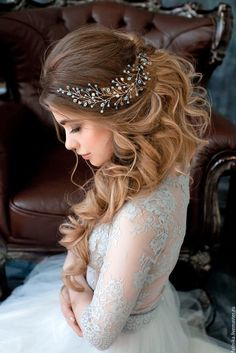 In case you are searching for wedding hairstyles for long hair, do not miss our photo gallery! We have collected the trendiest hairstyles
