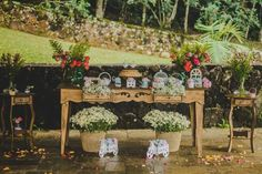 ♥♥♥  CASO REAL: O casamento DIY da Taila e do Leo O casamento é uma união para o que der e vier. É uma celebração e um compromisso de vida a dois para encarar o sol e a chuva, momentos bons e mom... http://www.casareumbarato.com.br/caso-real-o-casamento-diy-da-taila-e-do-leo/