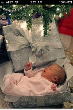 Maybe I can do this with my little Christmas baby :)