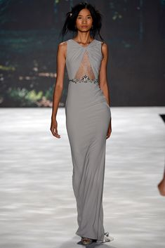 See the complete Badgley Mischka Spring 2013 Ready-to-Wear collection.