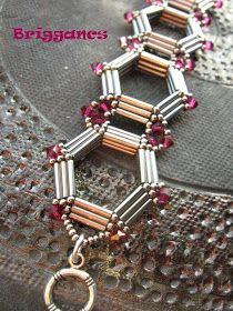 Briggancs: Kriszta kari  Nice bracelet, no pattern though.
