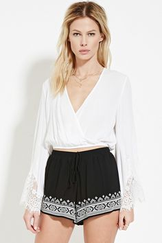 A pair of knit shorts with geo embroidery along the front hem and an elasticized drawstring waist. All Fashion, Asian Fashion, Amazon Clothes, Embroidered Shorts, Latest Trends, Short Dresses, Forever 21, Geo, Outfits