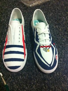 Omc. Larry Stylinson shoes. I am dead. WANNTTTT. D: I am going to try to paint my own Vans though... <3 Pained One Direction Vans <3