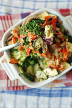 Lekka zapiekanka brokułowa z camembertem