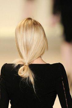 coiffure facile cheveux mi long pour les filles blondes