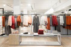 >>>Cheap Sale OFF! >>>Visit>> Blackened cedar planks cover the facade of COS Toronto store Boutique Interior, Boutique Decor, Boutique Design, Color Coordinated Closet, Fashion Retail Interior, Cos Stores, Clothing Store Design, Retail Shelving, Cedar Planks
