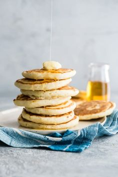 Once you learn how to make pancakes from scratch, you'll never buy a box mix again! Using ingredients you already have in your kitchen, whip up the fluffiest, tastiest pancakes around, with or without syrup. I have all your variation questions covered, too! Even the one where you want to make pancakes on your next camping trip. Savory Breakfast, Low Carb Breakfast, Vegan Breakfast Recipes, Breakfast Dishes, Easy Dinner Recipes, Easy Meals, Easy Recipes, Oven Recipes, Drink Recipes