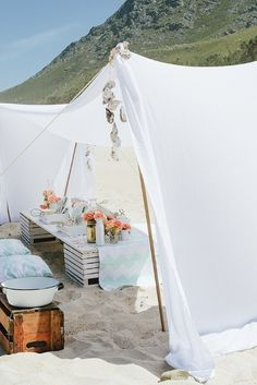 ladies beach picnc 0101 e1368567158534 Baby Shower in spiaggia