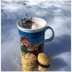 Makroner påske Tones kaker og andre søte saker Mugs, Tableware, Dinnerware, Tumbler, Dishes, Mug, Place Settings