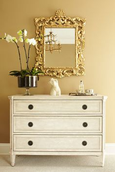 Suzie: ML Interior Design - Elegant foyer with golden wheat paint color, vintage chest, Rococo . Gold Dresser, Dresser With Mirror, Foyer Design, House Design, Vintage Chest, Interior Decorating, Interior Design, Decorating Tips, Living Furniture