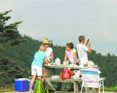 10 places to picnic in Asheville