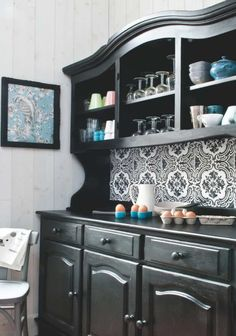1000 images about s 39 occuper relooker un meuble on pinterest buffet armoires and cuisine. Black Bedroom Furniture Sets. Home Design Ideas