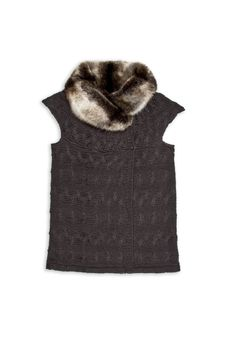 Cable vest with fur collar