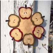 penny rug pattern apples | Penny Rugs/Felt table runners