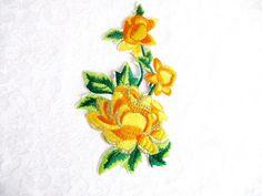 Hierro de flor de 2pcs.Yellow en calor transferencia bordado