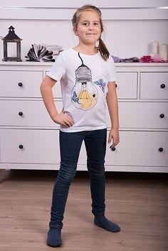 Maľované tričko Motýľ v pasci pre malú dámu #detskamoda#jedinecnesaty#handmade#originalne#slovakia#slovenskydizajn#móda#šaty#original#fashion#dress#modre#ornamental#stripe#dresses#vyrobenenaslovensku#children#fashion#rucnemalovane Malu, Modeling, T Shirt, Tops, Women, Fashion, Tee, Moda, Modeling Photography