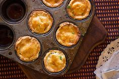 Easy Mince Pies - aninas recipes Easy Mince Pies, Savoury Mince, Gourmet Recipes, Cooking Recipes, Cooking Ideas, Food Ideas, Scotch Pie Recipe, Minced Beef Pie, Puff And Pie